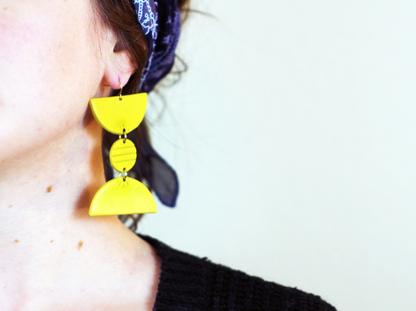 Totto Earrings in ear