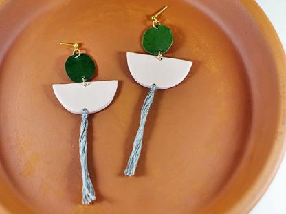 Elizabeth earrings in Chai