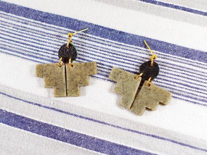 Pioneer earrings in Granite