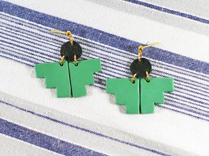 Pioneer earrings in Viridian